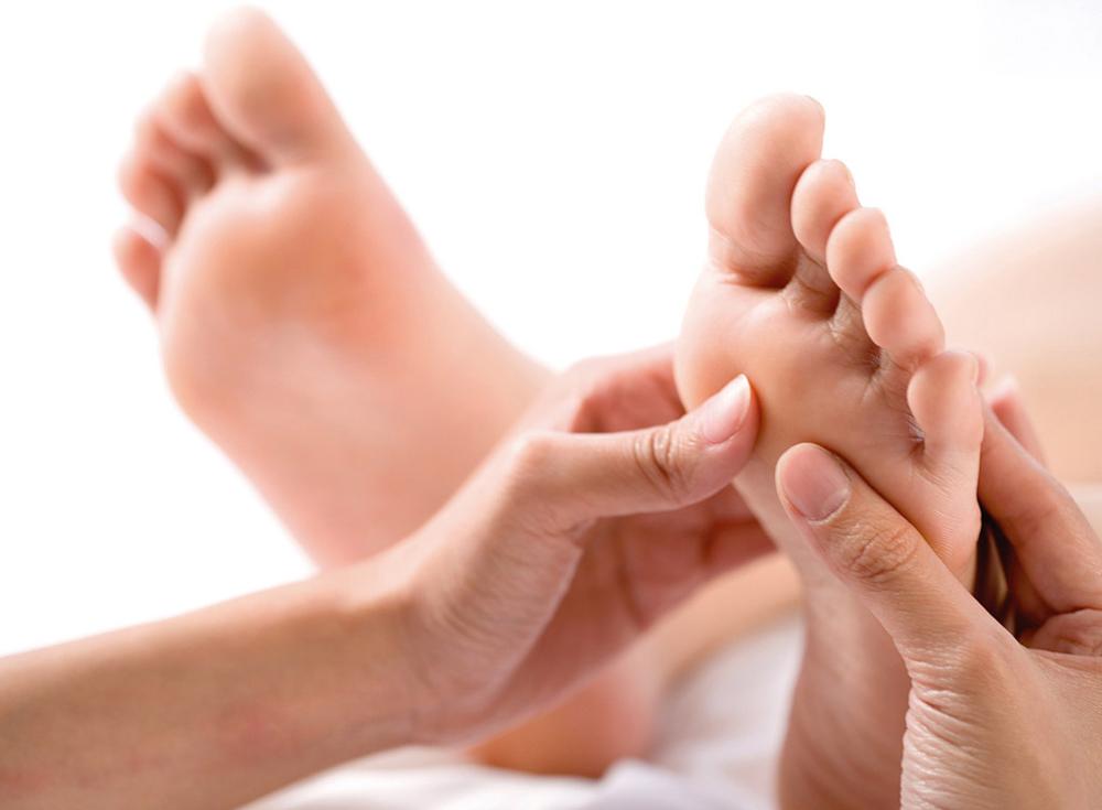 อาการปวดหัว ช่วยได้ด้วยการนวดฝ่าเท้า