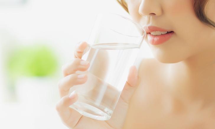 อาการปวดหัว ช่วยได้ด้วย การดื่มน้ำ