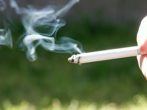 ควันบุหรี่อันตรายต่อสุขภาพ