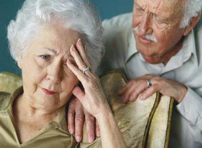 โรคอัลไซเมอร์ -กิดจากการถ่ายทอดยีนส์ภายในครอบครัว