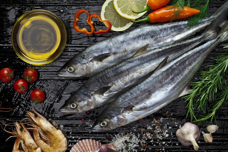 อาหารที่ช่วยต้านมะเร็ง- ปลา เลือกเป็นปลาที่มีโอเมก้า 3