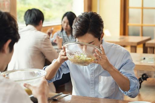 ติดทานอาหารรสเค็ม-ซดน้ำซุปแทบหมดชาม